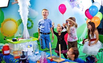 Химическое шоу для детей - это эксклюзивное решение, которое позволит создать уникальную атмосферу и гарантирует потрясающие эмоции.